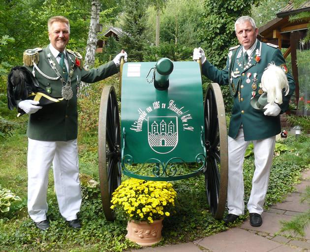 Kanone der Schützengilde Hitzacker mit Kanonieren Knipp und Ladwig