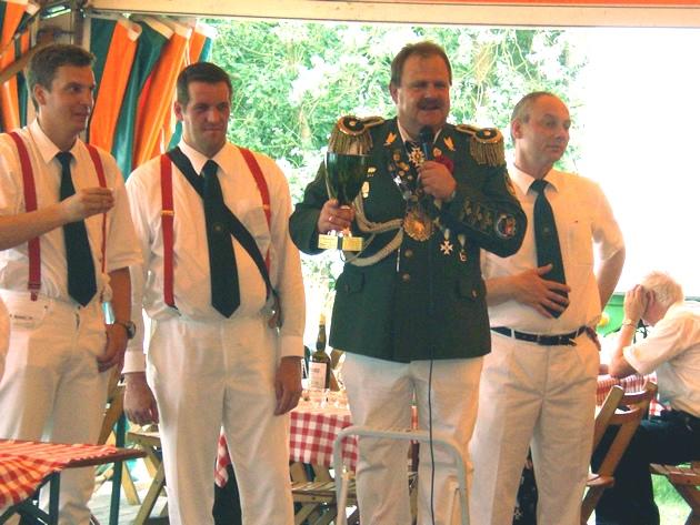 König Schenck feiert den Sieg