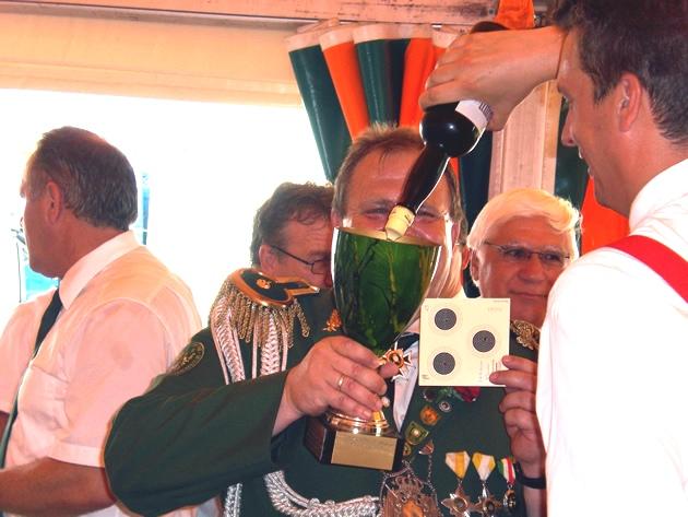 Pokal voll Boonekamp