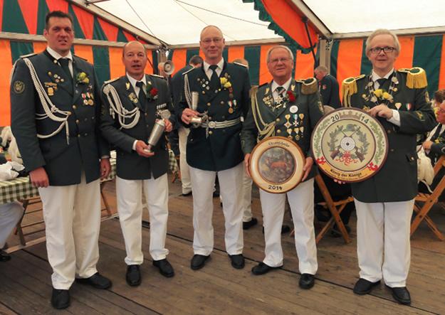 Schützenfest Hitzacker Sonntag Auszeichnungen Pokale