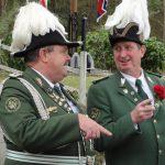 Kommandeur Thomas Schenk und Ordonanzoffizier Harald Münchow suchen den rechten Weg