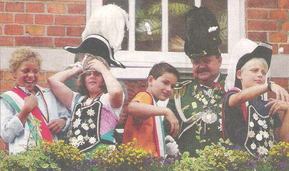 Stimmungsvoll Feiern Schützenfest 2012